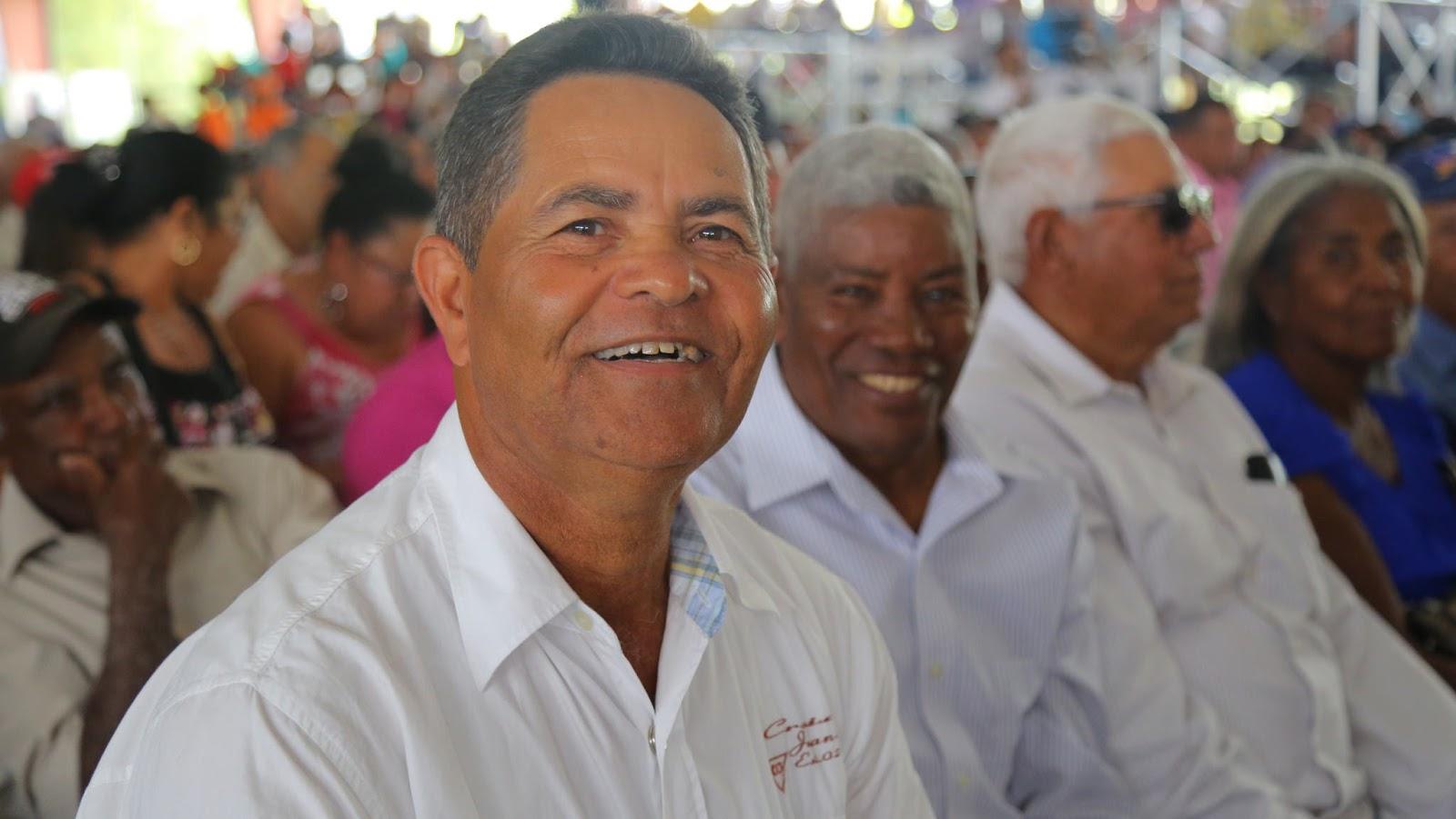 VIDEO: Agricultores de San José de Ocoa reciben sonrientes títulos de propiedad Miércoles, 05 de abril de 2017