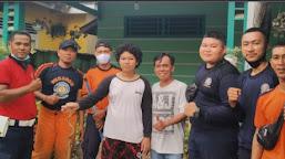 Damkar Kota Bengkulu Evakuasi Ular di Rumah Warga