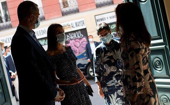 Queen Letizia wore Zara tweed dress with gem buttons, and Carolina Herrera High heel slingback blue pumps, Carolina Herrera baret navy clutch