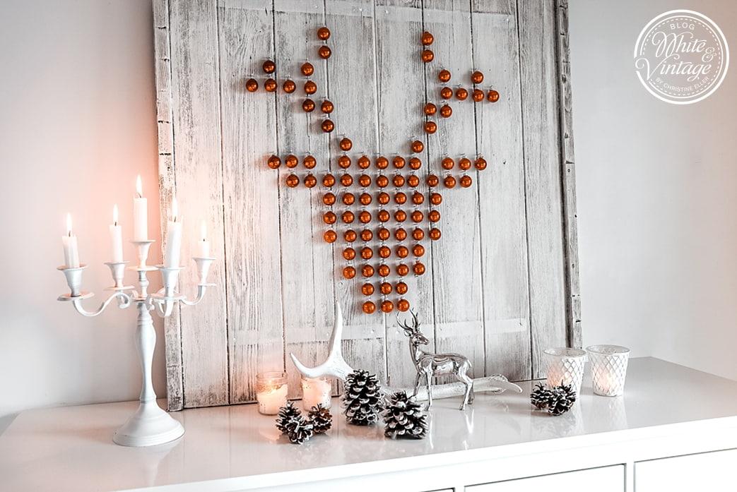 Hirschdeko mit Weihnachtskugeln selber machen