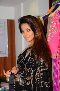 Neetu Chandra in Black Saree at Designer Sandhya Singh Store Launch Mumbai (76).jpg