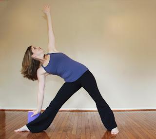 using blocks to balance enhance yoga poses  go fit girl
