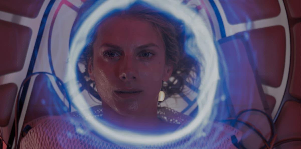 Александра Ажа рассказал о хорроре «Кислород» для Netflix - 01