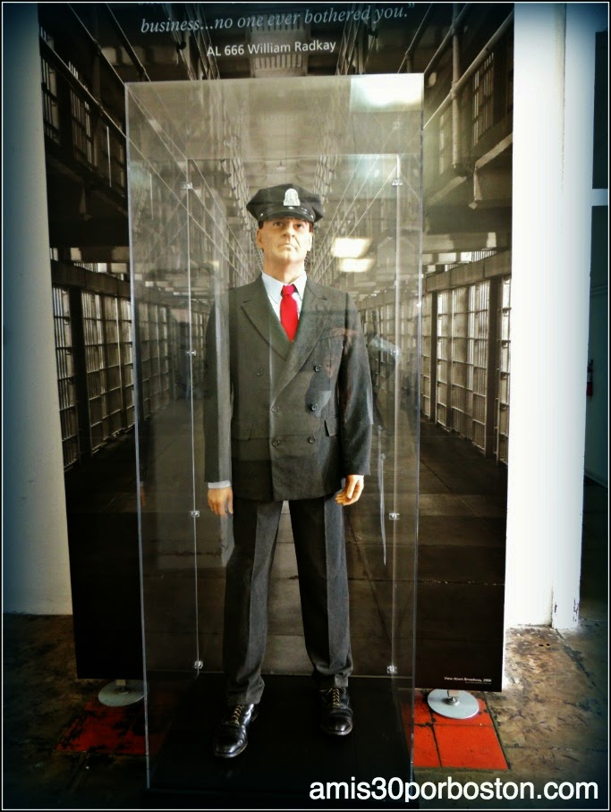 La Prisión de Alcatraz: Uniformes
