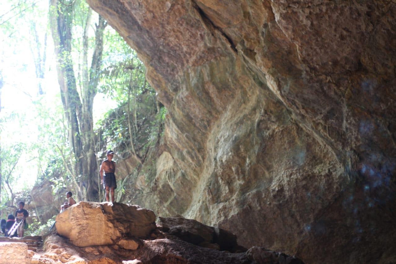 wisata Goa Simulluk Tondon