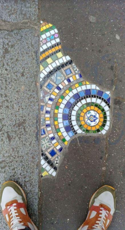 Une œuvre street-art du célèbre Ememem à Lyon