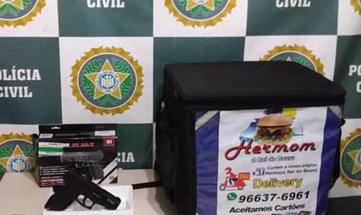 Polícia prende acusados de roubar entregador de lanches em Belford Roxo