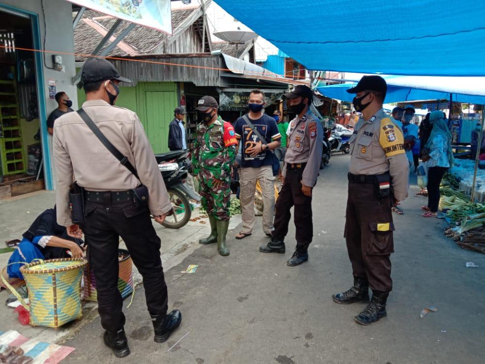 Sinegritas TNI-Polri Lakukan Patroli Pasar Mingguan