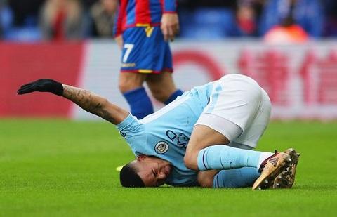 Cầu thủ Man city đau đớn do Crystal Palace  chơi rắn