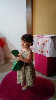 caixa de presentes da moranguinho