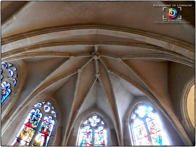 CUSTINES (54) -Eglise Saint-Léger (Intérieur)
