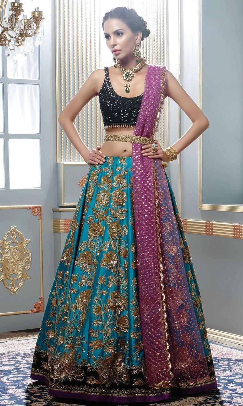 Nomi Ansari beautiful and stylish bridal Pakistani wear collection online
