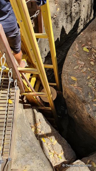 Escada para a PRaia do Sancho Noronha