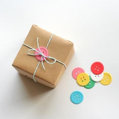 http://www.tuteate.com/2014/11/03/inspirate-para-envolver-regalos/