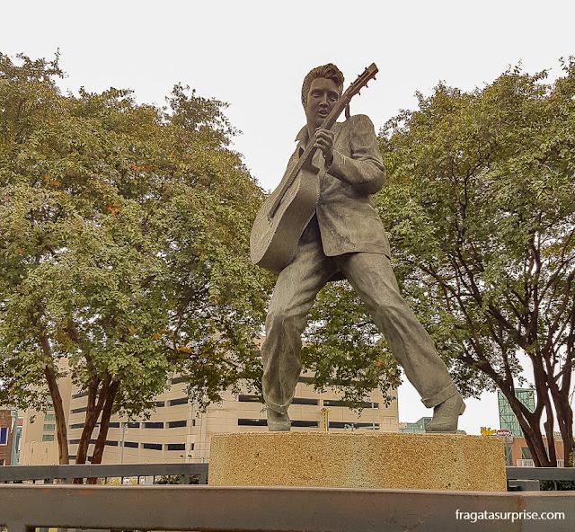 Estátua de Elvis Presley em Memphis