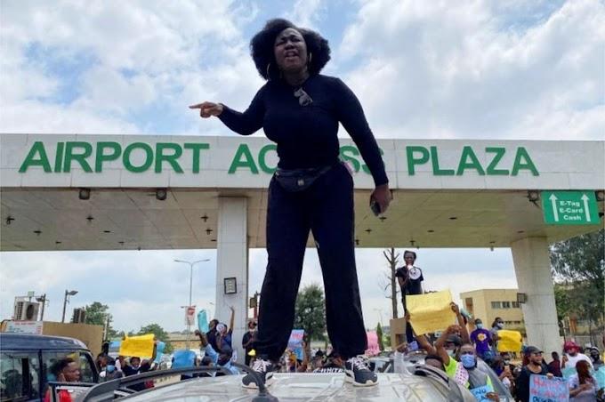 Sars ban: Nigeria's Buhari pledges 'extensive' police reforms
