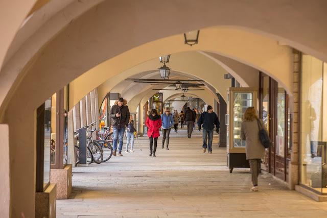 I portici di origine medievale della parte vecchia di Cuneo