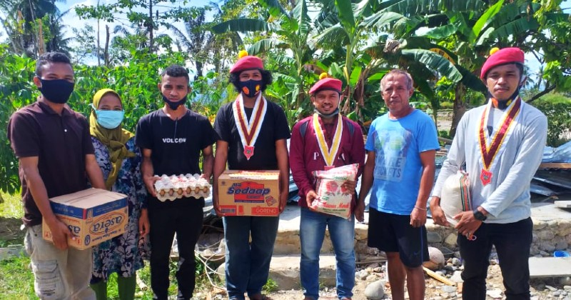 PMKRI Palopo dan PERMAS NTT Salurkan Bantuan Korban Bencana Alam Lamasi