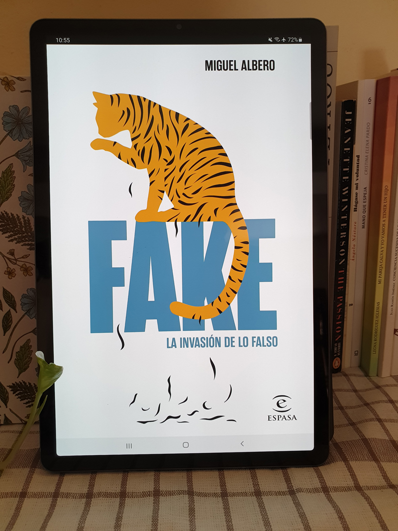 Reseña de «Fake» de Miguel Albero (Espasa), por Tes Nehuén