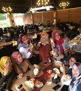 7 Tempat Makan Hits Dan Populer Di Semarang
