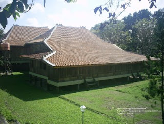 Rumah adat dari Provinsi Sumatera Selatan