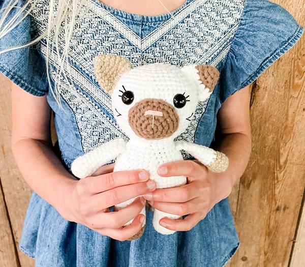 Little Amigurumi Cat Free Crochet Pattern - Stella's Yarn Universe | 525x600