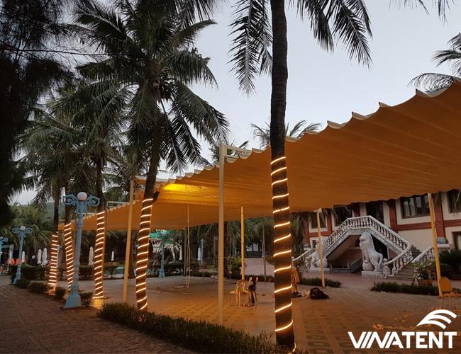 Lắp đặt mái xếp lượn sóng cho nhà hàng
