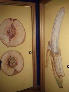 Los letreros de baños públicos más divertidos - frutas