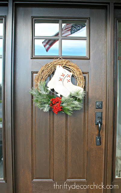 Easy inexpensive DIY Christmas wreath