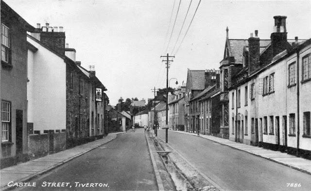 Postcard of Castle Street c.1958