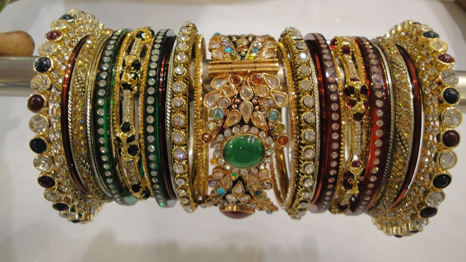 Rajasthani Lac Jewellery What Makes Jaipur A Golden Triangle Tour City Golden
