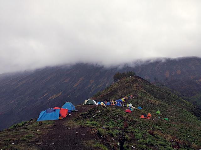 area-camping-plawangan-rinjani