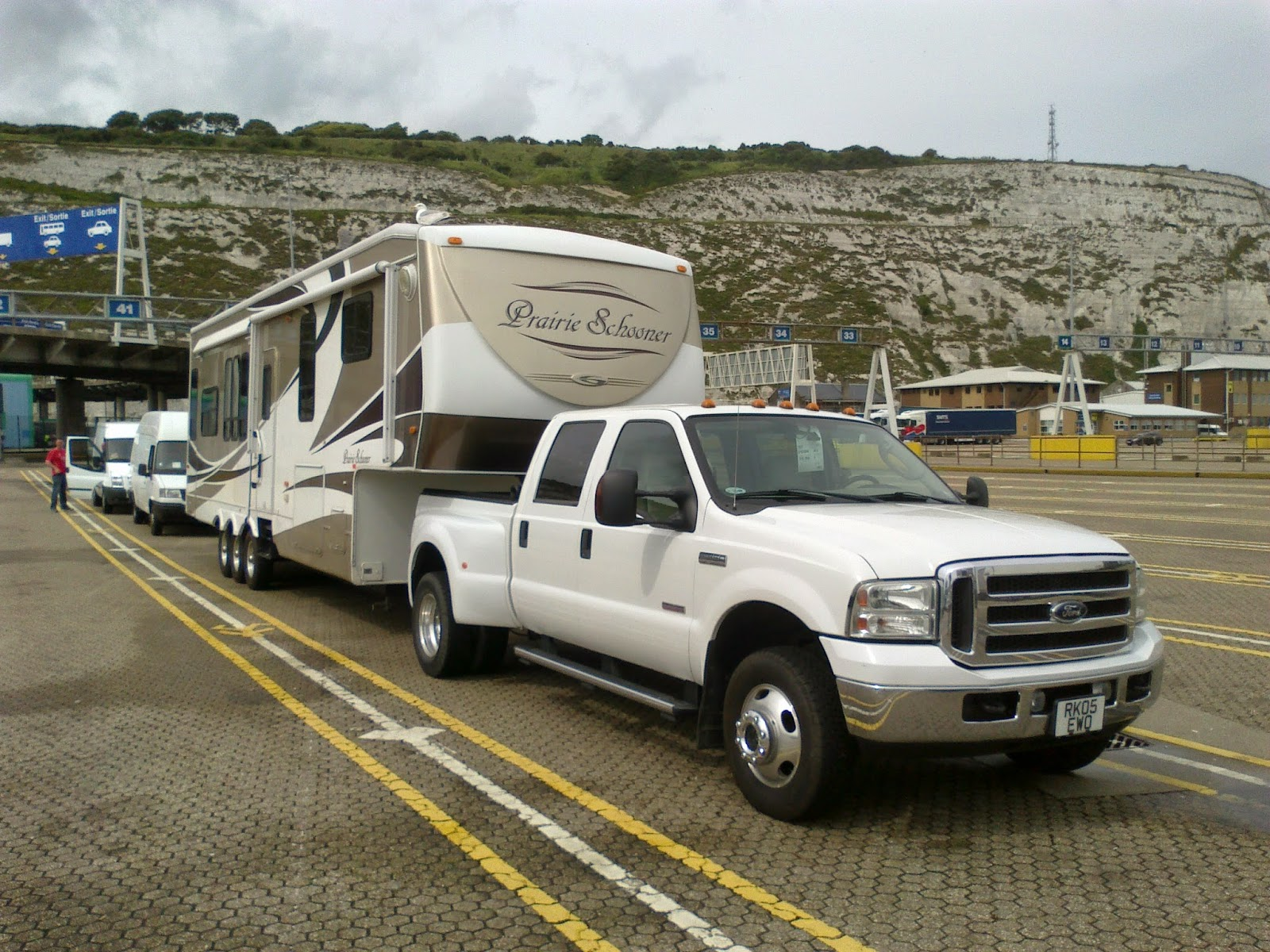 UK - Spain - Europe 5th wheel transport and delivery