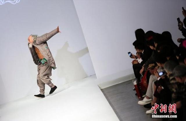 Ван Дешунь на China Fashion Week в Пекине
