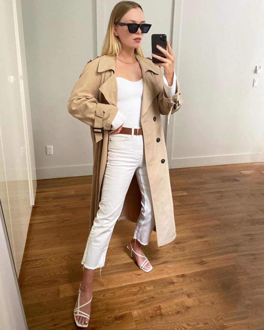 How to Style a Trench Coat for Summer