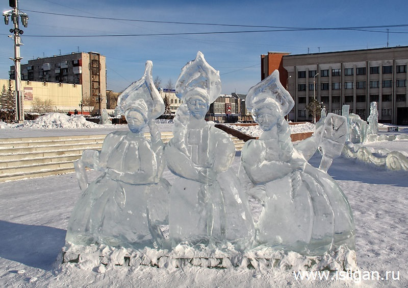 Ледовый городок 2019. Площадь Народных гуляний. Город Магнитогорск. Челябинская область