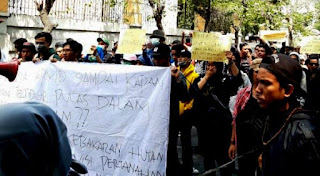 Kelompok Massa ARB Yogyakarta Gelar Longmarch Ingatkan DPR RI Hati-hati dan Teliti Bahas RUU