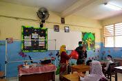 Danramil 04/CK Pimpin Langsung Pembagian Masker di Beberapa Sekolah Yang Melaksanakan Belajar Pertemuan Tatap Muka