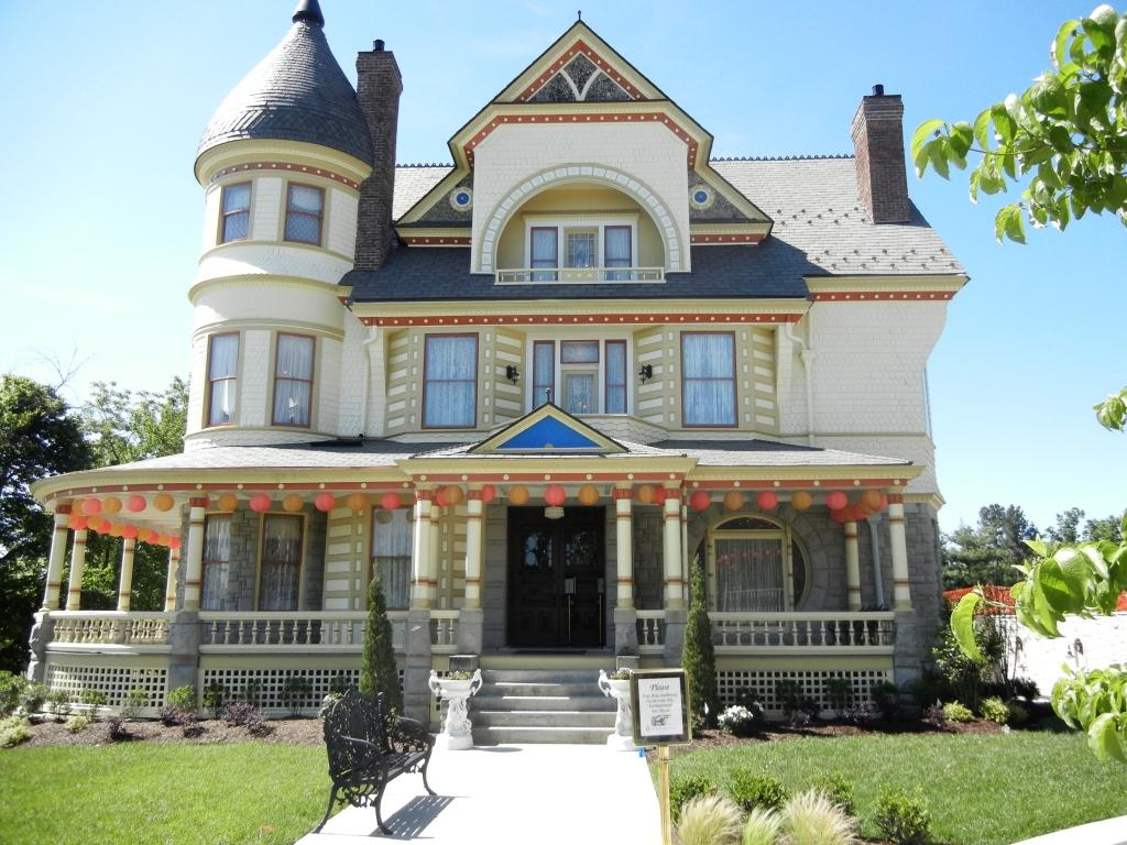 Tulsa tiny stuff queen anne style for House architecture styles