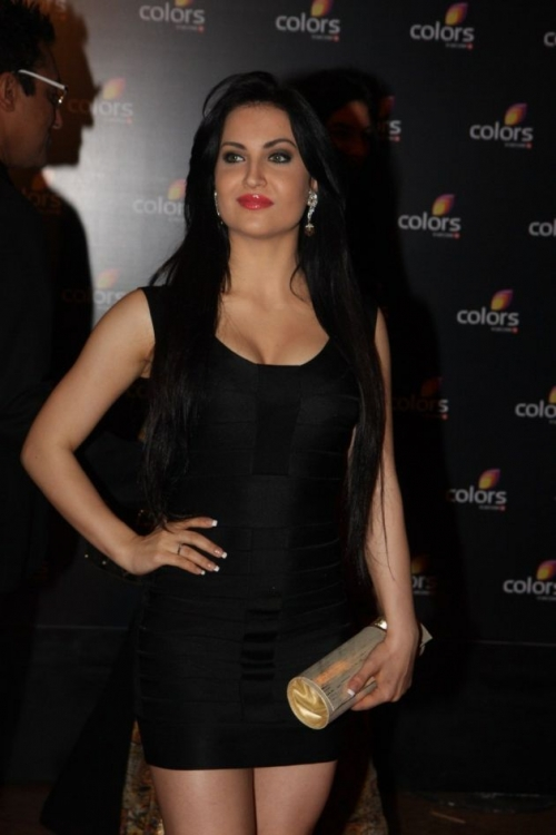 Sizzling actresses at colors