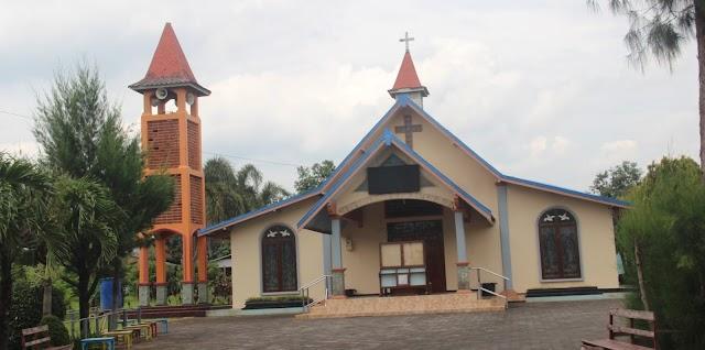 Gereja Tua, Masih Ingatkah Gereja Kayuapu, Dibangun 1864
