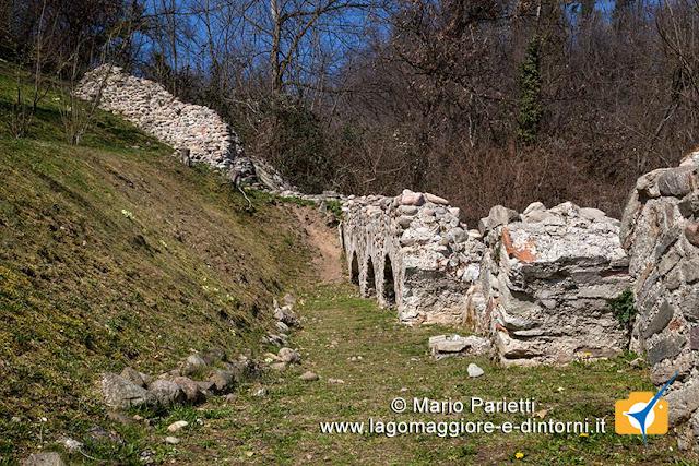La cinta muraria al monastero di torba