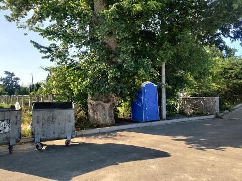 У Білій Церкві жителі бояться заходити в громадський туалет через бруд