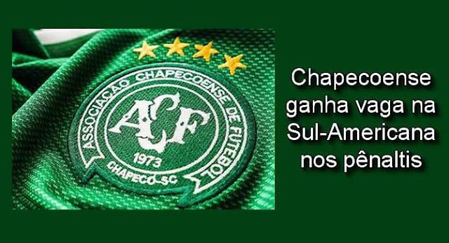 Chapecoense ganha vaga na Sul-Americana nos pênaltis.