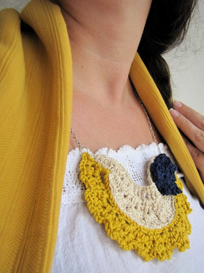 Vintage Bib Necklace – free pattern