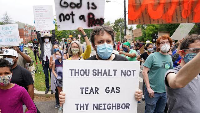 La Casa Blanca niega el uso del gas lacrimógeno en Washington y afirma que Trump activará la Ley de Insurrección si es necesario