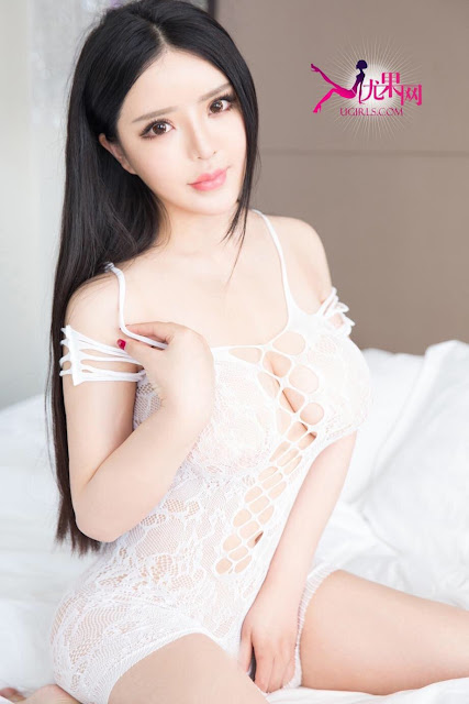 Hot and sexy big boobs photos of beautiful busty asian hottie chick Chinese booty model Ni Zi Xin photo highlights on Pinays Finest Sexy Nude Photo Collection site.
