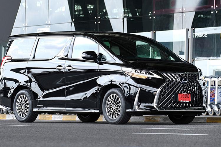 'Soi' Lexus LM300h tại Thái Lan, rẻ hơn Việt Nam tới 7 tỷ đồng