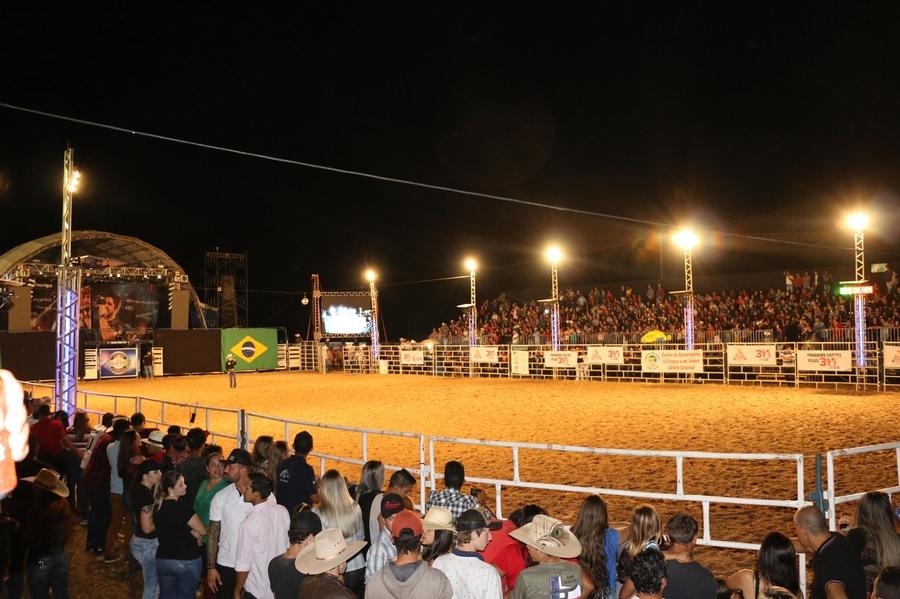 Coronavírus faz prefeitura de Castro adiar shows de aniversário da cidade