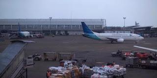 Ngeri ! Pesawat Garuda Tergelincir Di Bandara Internasional Adisutjipto Yogyakarta